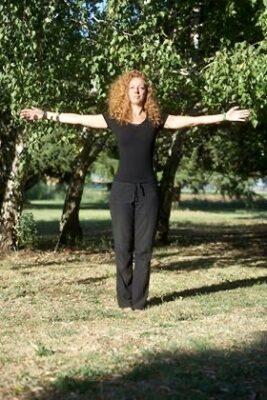 La montagna yoga asana del qui e ora